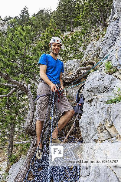 Kletterer im Eichertsteig  Grünberg  Schneeberg  Österreich  Europa