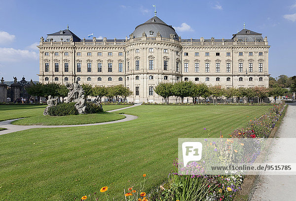 Würzburger Residenz mit Hofgarten  UNESCO Weltkulturerbe  Würzburg  Unterfranken  Bayern  Deutschland  Europa