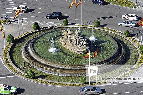 Brunnen  Fuente de Cibeles  Plaza de Cibeles  Kreuzung der Straßen Calle Alcala  Paseo de Recoletos und Paseo del Prado  Stadtzentrum  Madrid  Spanien  Europa