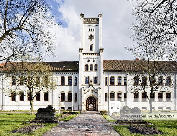Auricher Schloss  frühere Averborg  Aurich  Ostfriesland  Niedersachsen  Deutschland  Europa