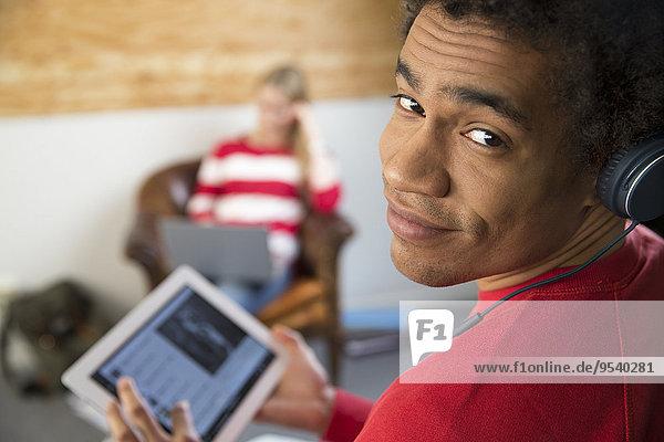 Mann jung Tablet PC