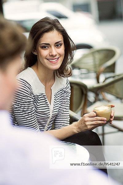 Cafe jung Außenaufnahme