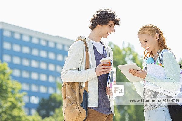 benutzen Student Campus Tablet PC Hochschule