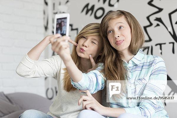 Interior zu Hause niedlich süß lieb nehmen Schwester Fotografie Smartphone