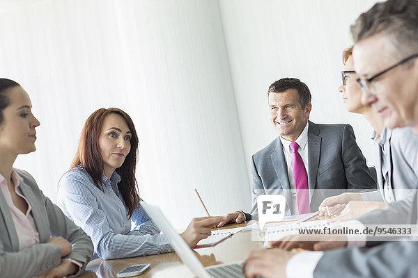 Mensch Geschäftsbesprechung Menschen Zimmer Business Konferenz