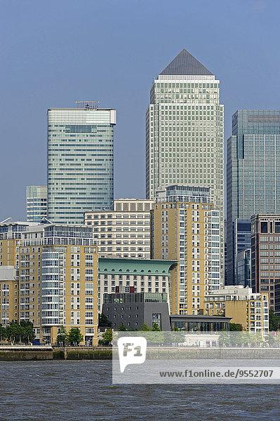 Großbritannien  England  London  Docklands  Isle of Dogs  Bürotürme  One Canada Square und HSBC Tower am Canary Wharf. Großbritannien, England, London, Docklands, Isle of Dogs, Bürotürme, One Canada Square und HSBC Tower am Canary Wharf.
