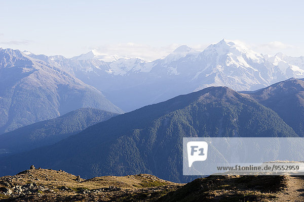 Italien  Südtirol  Region Watles  Blick auf die Ortler Alpen