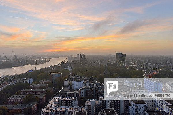 Germany  Hamburg  Cityscape at sunset