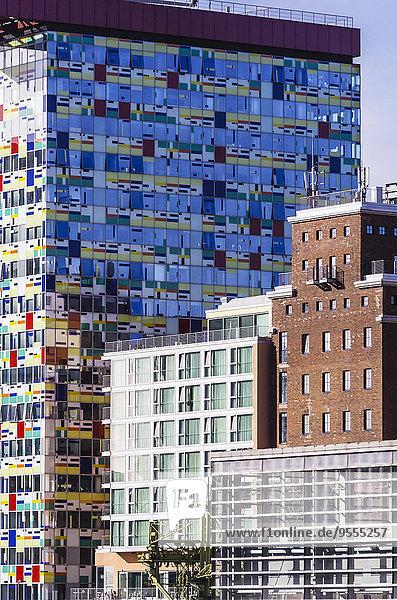 Deutschland  Nordrhein-Westfalen  Düsseldorf  Medienhafen  Bürogebäude