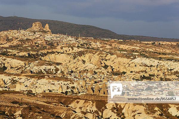 Türkei  Goereme Nationalpark  Goereme und Uchisar im Morgenlicht