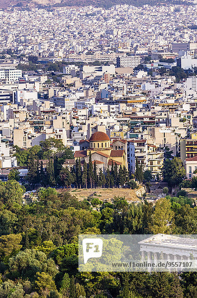 Griechenland  Athen  Stadtbild mit Kirche Agia Marina