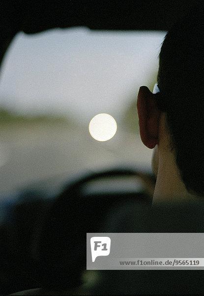 Blick durch die Autoscheibe