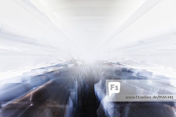 Verschwommener Innenraum des Flugzeugs