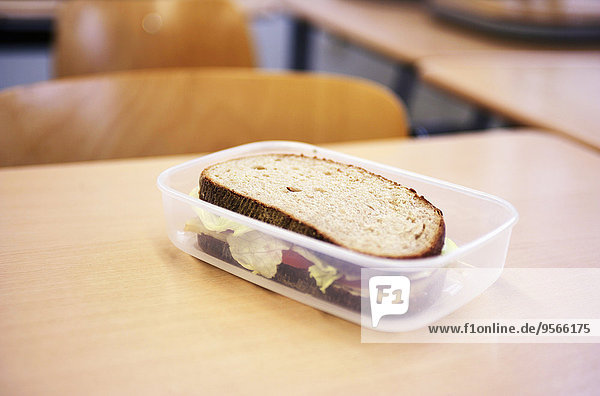Ein Sandwich in einer Kunststoffbox