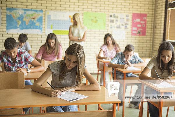 nehmen Prüfung Klassenzimmer Student