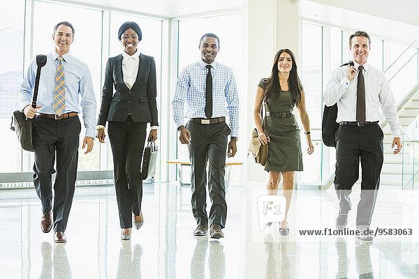 Eingangshalle Mensch Büro Menschen gehen Business
