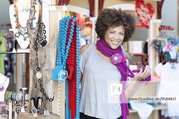 anprobieren Frau mischen Halskette Kette Laden Mixed