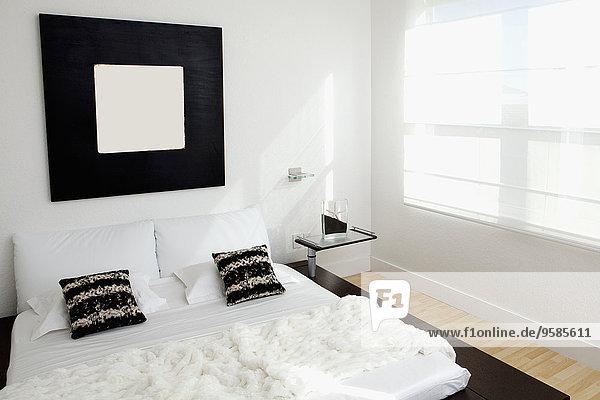 Fenster Schlafzimmer Bett Spiegel modern