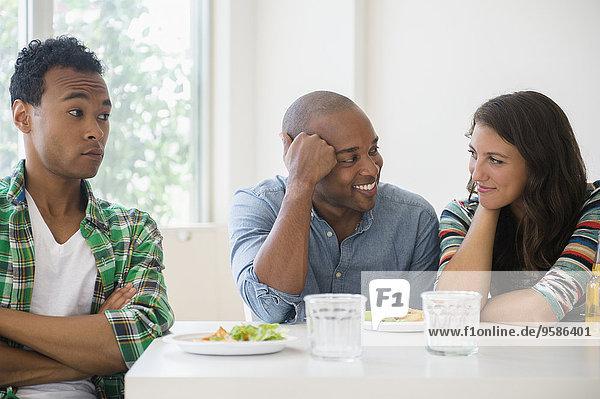 Mann Freundschaft Überraschung flirten