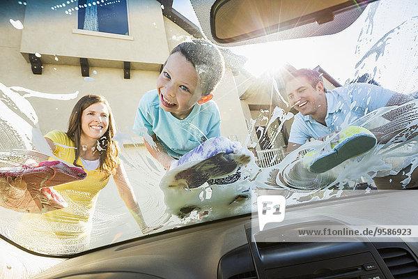 Scheibenwischer Europäer Menschlicher Vater Auto waschen