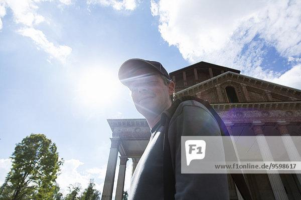 Erwachsener Mann  Santuario del SS Crocifisso di Boca  Novara  Italien