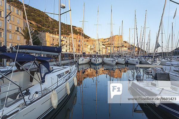 Yachthafen von Bonifacio  Korsika  Frankreich
