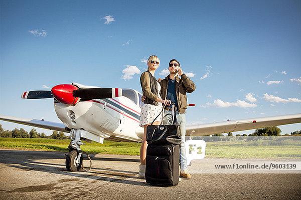Flugzeug stehend jung Propeller
