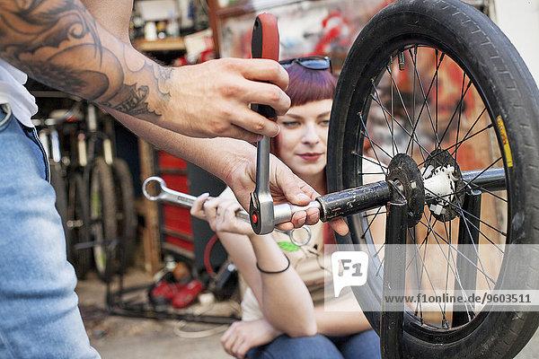 jung Fahrrad Rad BMW reparieren