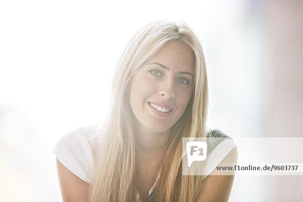 Portrait blond Student Haar Universität