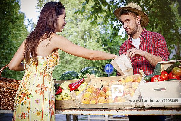 Blumenmarkt Frau Frucht kaufen Markt