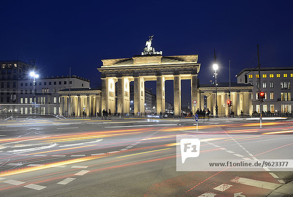 Germany  Berlin  Brandenburg Gate  Place of March 18 in the evening