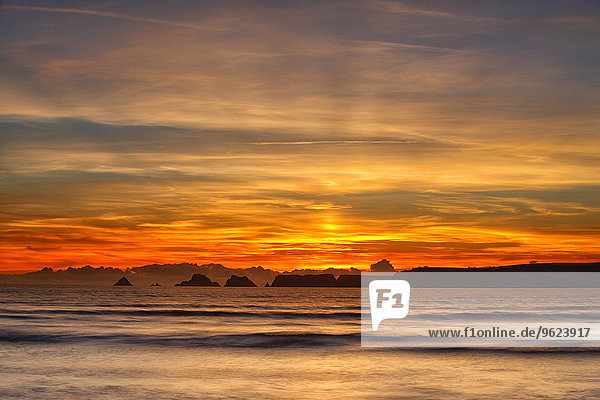Frankreich  Bretagne  Goulien  Tas de Pois  Sonnenuntergang