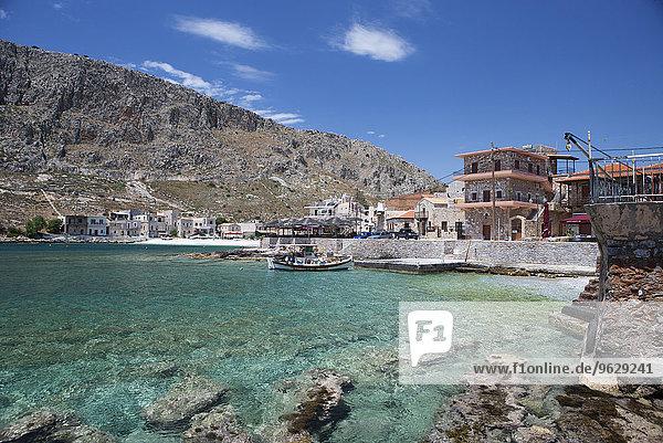 Griechenland  Gerolimenas  Fischerboote und Steinhäuser
