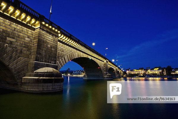 spannen Wasser Nacht Ruhe London Hauptstadt Spiegelung See Brücke Reflections