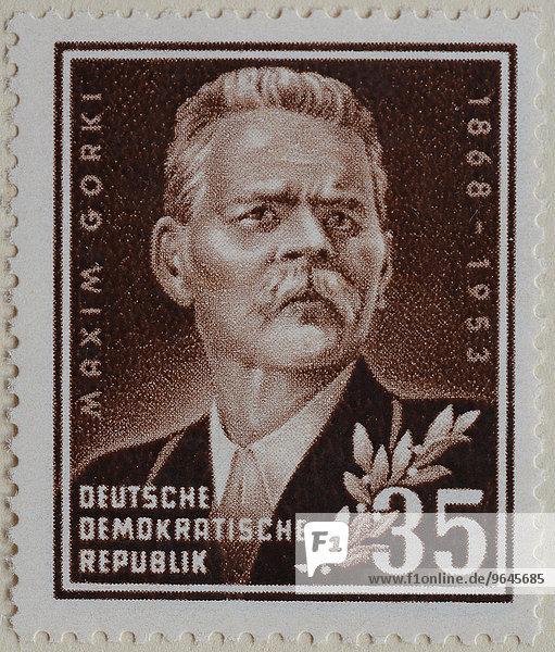 Maxim Gorki  russischer Schriftsteller  Porträt  deutsche Briefmarke  DDR  1953