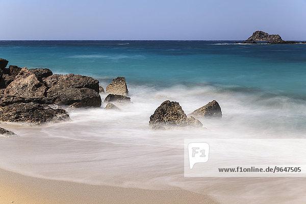 Strand  Felsen  blaues Meer  Karpathos  Dodekanes  Südliche Ägäis  Griechenland  Europa