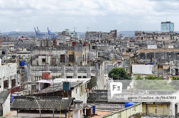 Ausblick vom Hotel Plaza über die Altstadt  Centro Habana  Havanna  Ciudad de La Habana  Kuba  Nordamerika