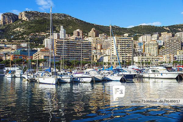 Yachten ankern im Yachthafen  Monte Carlo  Monaco  Europa