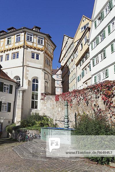 Brunnen  Platz  Altstadt  Tübingen  Baden-Württemberg  Deutschland  Europa