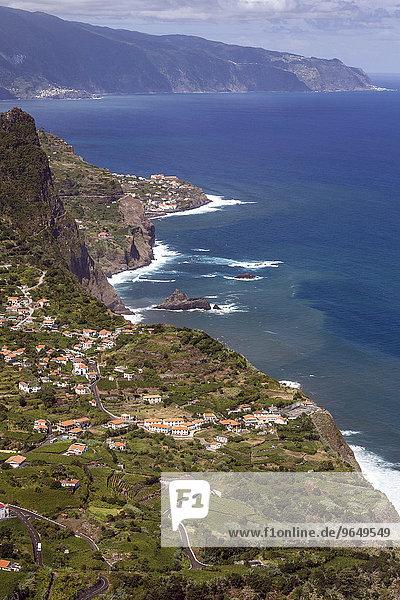 Ausblick auf Arco de Sao Jorge und die Nordküste von Madeira  Madeira  Portugal  Europa