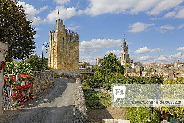 Bergfried  Burg Chateau du Roi  Altstadt  UNESCO Weltkulturerbe  Saint-Emilion  Département Gironde  Aquitanien  Frankreich  Europa