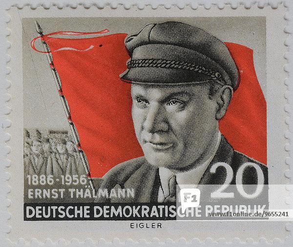 Ernst Thälmann  Portrait auf einer Briefmarke  DDR  1956