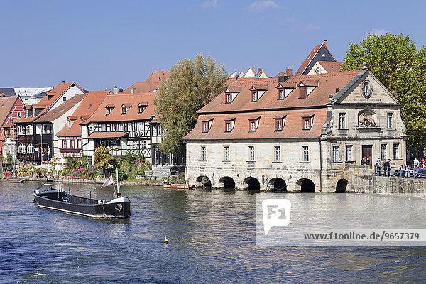Ausblick über die Regnitz auf Klein-Venedig mit altem Schlachthaus  Bamberg  Franken  Bayern  Deutschland  Europa
