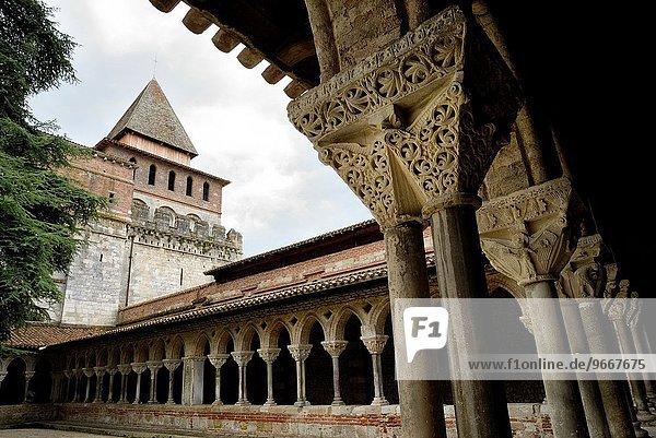 Kreuzgang Frankreich Ende Kirche Heiligtum schreiben UNESCO-Welterbe Abtei Glocke Jahrhundert Pierre einstellen