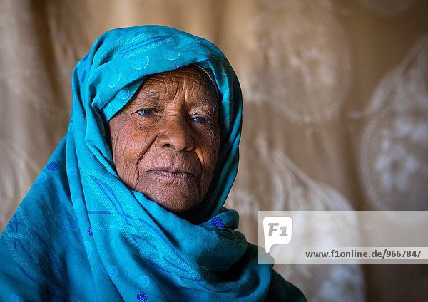 Nubian Lady Dressed In The Traditional  Colourful Tub  Bagrawiyah  Sudan