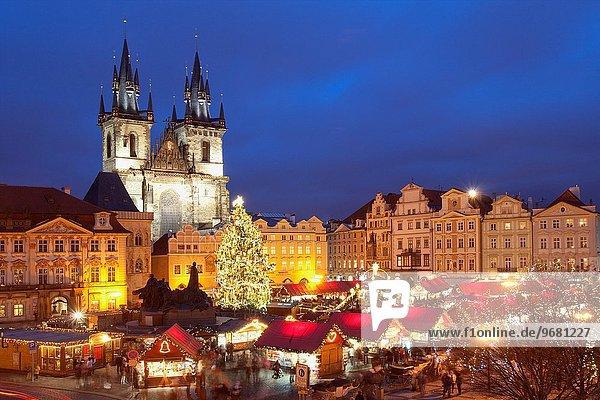 Prag Hauptstadt Stadt Quadrat Quadrate quadratisch quadratisches quadratischer Weihnachten Tschechische Republik Tschechien Markt alt