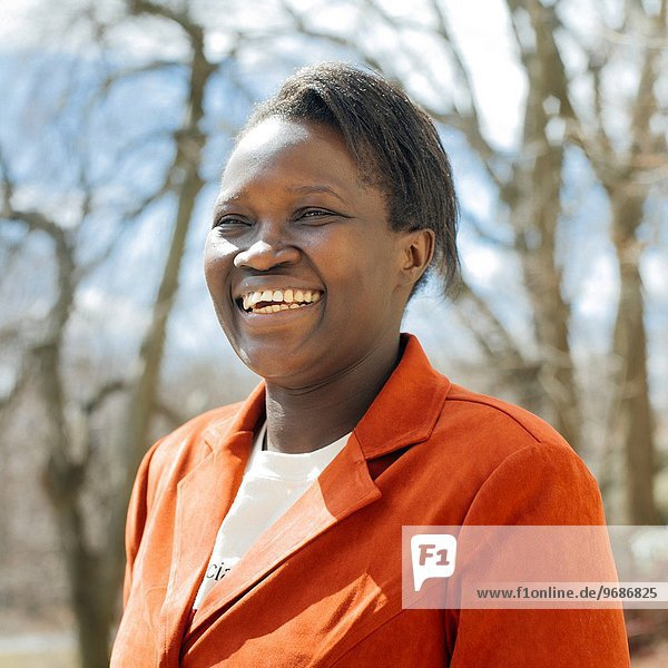Portrait Frau lächeln reifer Erwachsene reife Erwachsene Mittelpunkt
