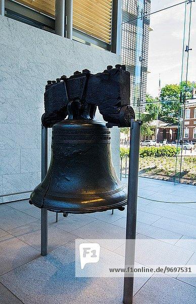 Vereinigte Staaten von Amerika USA Gebäude Halle Geschichte Wahrzeichen Recht Glocke Pennsylvania Philadelphia