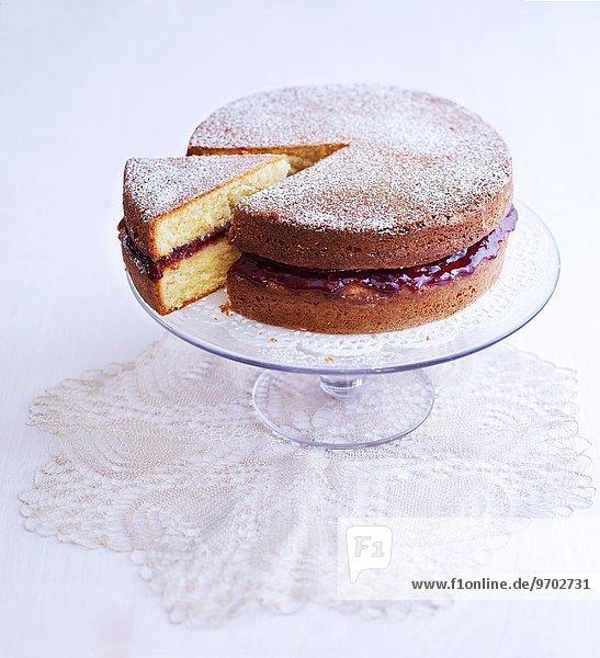 Victoria Sponge Cake mit Puderzucker