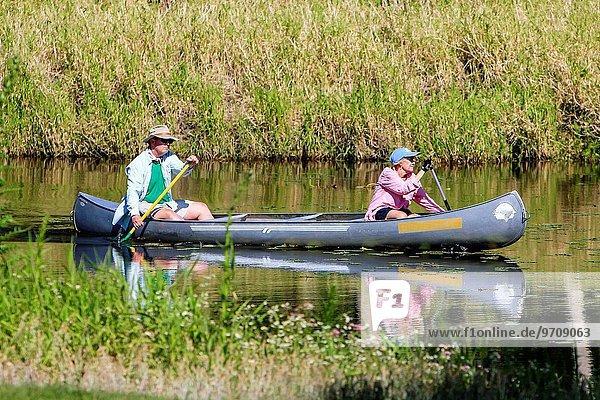 benutzen Wasser Fröhlichkeit Mensch Menschen Kanu Florida